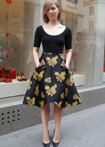 Коническая юбка с цветочным принтом