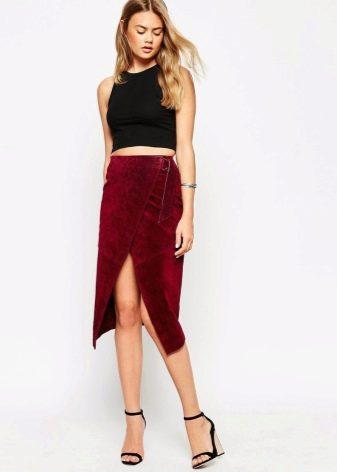 Бордовая юбка карандаш