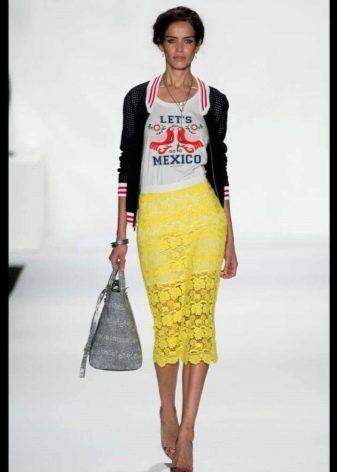 юбка-карандаш из желтого кружева