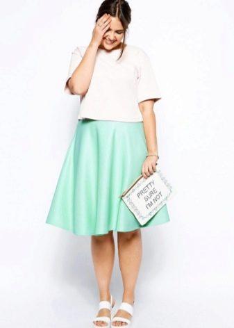 Летняя юбка для полной девушки с завышенной талией