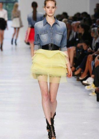 Многослойная короткая желтая юбка