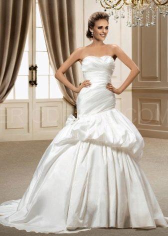 стильное свадебное платье из тафты