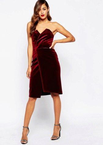 Велюровое платье