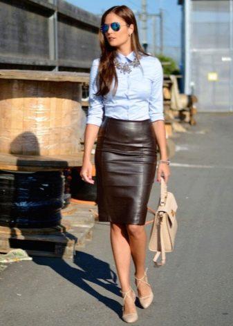 Прямая юбка из кожи - деловой образ