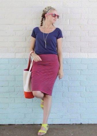 Прямая трикотажная полосатая  юбка