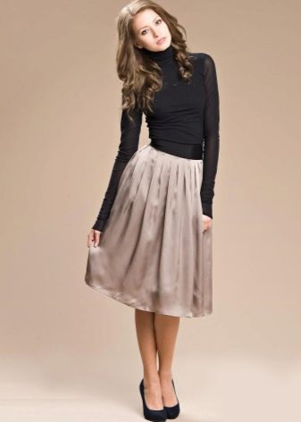 классическая бежевая юбка-миди