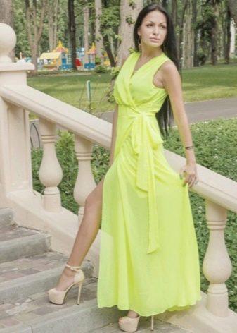 Салатовое платье и аксессуары к нему