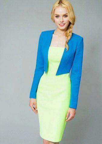 Салатовое платье с голубым жакетом