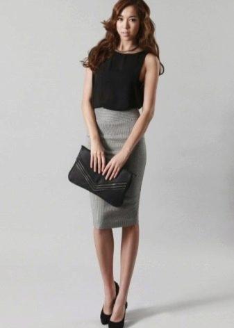 Серая юбка карандаш для девушек с фигурой типа песочные часы
