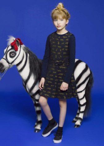 Зимнее платье-сарафан с принтом для девочек