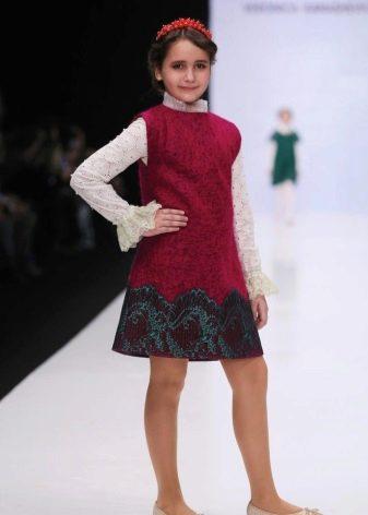 Зимнее платье-сарафан красное для девочек