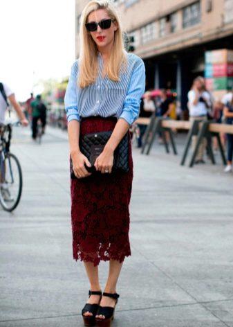 кружевная юбка-карандаш средней длины