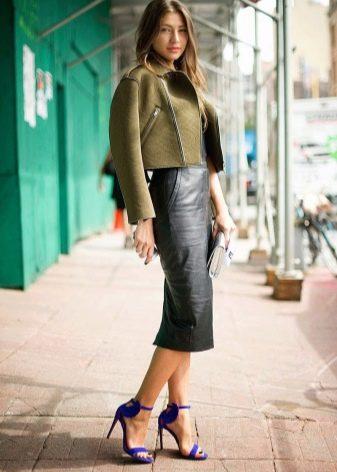 юбка-карандаш средней длины из черной кожи