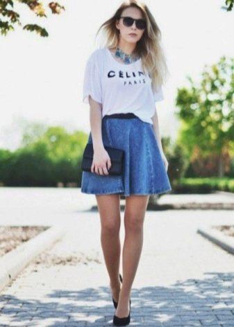 Джинсовая юбка полусолнце на резинке с футболкой