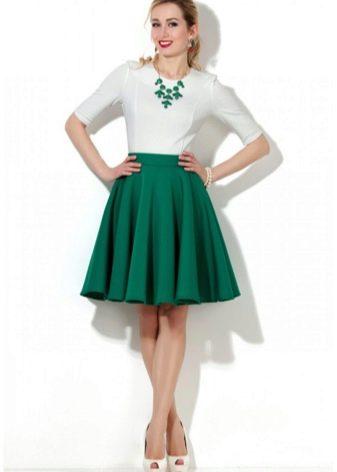 зеленая юбка-солнце средней длины
