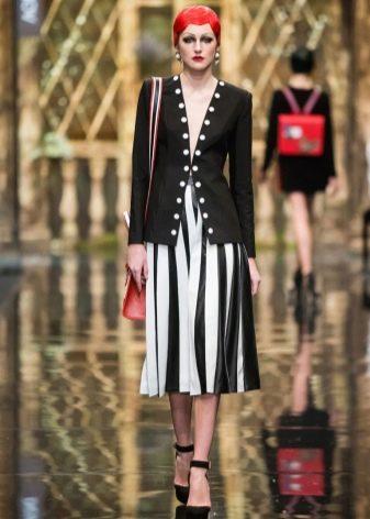 бело-черная полосатая юбка