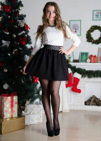 Чёрная юбка на резинке фото