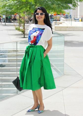 Летняя зеленая юбка колокол ниже колена