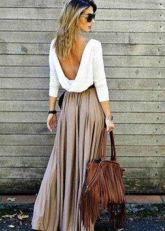 Длинная юбка солнце в пол бежевого цвета