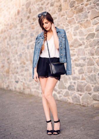 145ef58f86e Куртки в военном стиле лучше сочетать с летними сапогами или ботинками