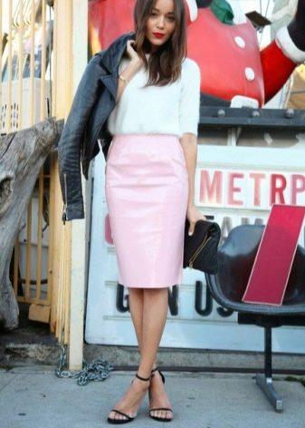 Образы с юбкой карандаш розовый