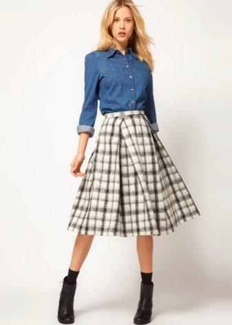 синяя макси юбка с чем носить