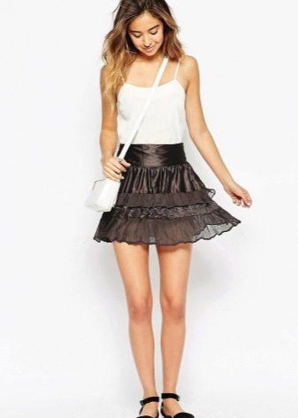 Кружевные юбки широкие