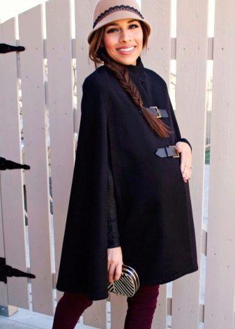 Какое выбрать пальто во время беременности: 9 стильных идей от Кейт Миддлтон картинки