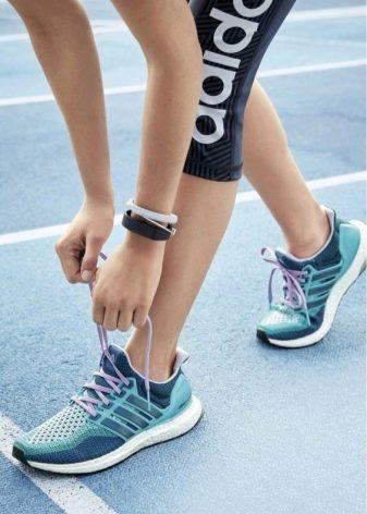 0e4741aa Изначально разработка таких кроссовок предназначались для тяжелых атлетов,  но в ходе испытаний были отмечены замечательные качества обуви.