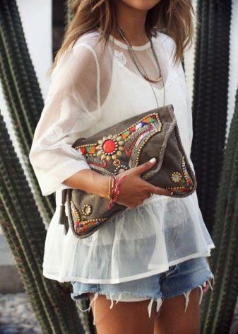 efb59799c684 Спортивная сумка-клатч идеально подойдет для спортивного стиля. Любительницы  фитнеса оценят такую сумочку как никто другой, так как такую сумочку можно  ...