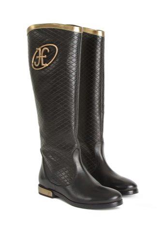 0e54d27b53f Верхняя кайма голенища украшается золотой линией. Стильная обувь станет  прекрасным дополнением к любому яркому и броскому наряду.