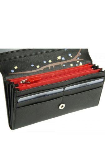 d787f730f6ce Модные цвета аксессуаров: красный и бордовый, изумрудный и зеленый,  бежевый, розовый и лавандовый, синий, оранжевый, хаки.