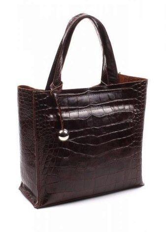 cc85d50d9723 Марка Vip Collection выпускает очень вместительные и удобные дорожные сумки,  чемоданы и повседневные аксессуары. Все модели изготавливаются из  натуральной ...