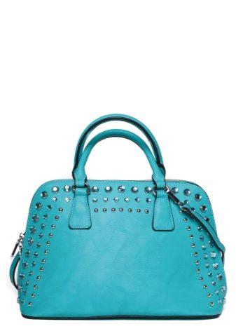 482a88880515 Неповторимой легкостью обладает светло-голубая сумка. Изделие этого чистого  цвета эффектно смотрится во многих дамских ансамблях, от повседневных до  деловых ...