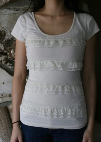 Как украсить белую рубашку кружевом своими руками