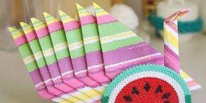 Как красиво сложить бумажные салфетки на праздничный стол?