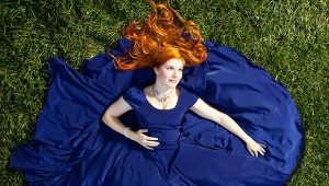 Темно-синее платье - для таинственного образа