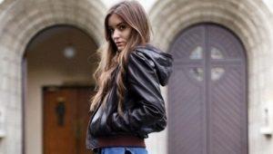 Кожаная женская куртка с капюшоном – хит этого года
