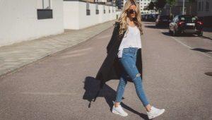 Как носить кроссовки с джинсами?