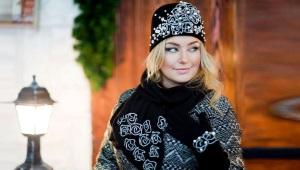 Набор: женская шапка, перчатки и шарф