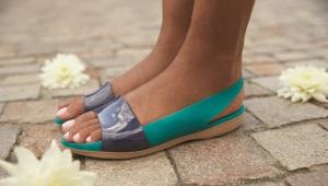 Резиновые сандалии