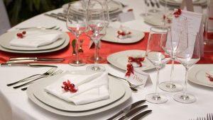 Как правильно сервировать стол в ресторане?
