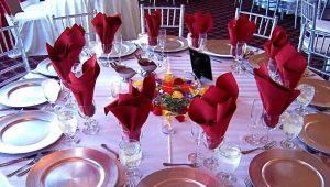 Как красиво сложить салфетки в стакан?