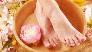 Пилинг для ног: разновидности и особенности процедуры
