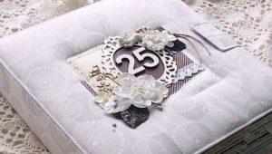Что подарить мужу на серебряную свадьбу?