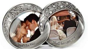 Что подарить жене на 10 лет свадьбы?