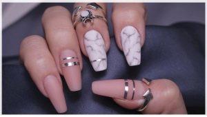 Ногти в форме гробиков – новый спорный тренд в маникюре