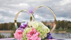 Оформление колец на машину для свадьбы, их создание и установка