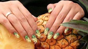 Яркие и стильные решения для оформления маникюра с ананасами