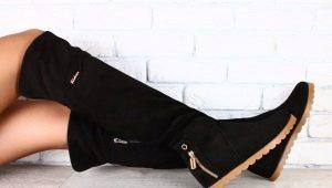 Замшевые ботфорты без каблука: как выбрать и с чем носить?
